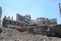 KADINLAR PAZARI - Tabakhane'de 629 Bina Yıkıldı