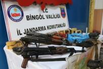 Terör Örgütünün Sığınağında Bingöl Haritası Ve Mühimmat Ele Geçirildi
