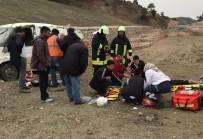 İSMET YıLMAZ - Ticari Araç Takla Attı Açıklaması 1 Ölü, 2 Yaralı