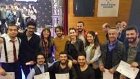 GENÇLİK MERKEZİ - Trabzon Ve Rize Tiyatro Yarışmasında Birinciliği Paylaştı
