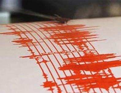 Uşak'ta deprem paniği
