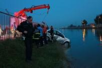 Adana'da Otomobil Sulama Kanalına Uçtu Açıklaması 1 Yaralı