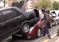 TRAFİK ÖNLEMİ - Ankara'da Zincirleme Kaza