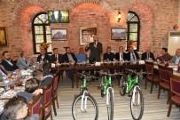 Başkan Altepe'den Genç Şampiyonlara Bisiklet
