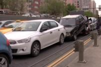 TRAFİK ÖNLEMİ - Başkent'te 4 Araç Birbirine Girdi