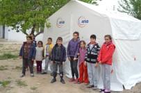 HASARLI BİNA - Geceyi Çadırda Geçirdiler