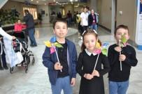 Hastaneye Giden Çocuklara 23 Nisan Hediyesi