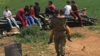 SOSYAL HİZMETLER - Şehidin 10 yaşındaki kardeşini binbaşı teselli etti!