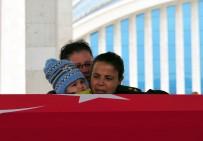 MUHAMMET İSMAIL - Şehit Eşini 'Gözün Arkada Kalmasın' Diye Uğurladı