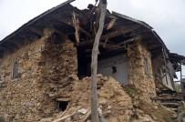 ÇAMKÖY - Selendi'de Deprem Korkusu Devam Ediyor