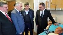 FARUK ÇATUROĞLU - AK Parti Genel Başkan Yardımcısı Kaya, Midibüs Kazasında Yaralananları Ziyaret Etti