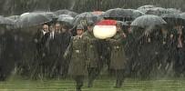 TÜRKIYE BÜYÜK MILLET MECLISI - Anıtkabir'de Kar Altında Tören