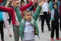BEYOĞLU BELEDIYESI - Beyoğlu Belediyesi 23 Nisan Koşusu Düzenledi