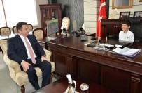 FATIH SULTAN MEHMET - Bozüyük Belediye Başkanı Bakıcı, Koltuğunu Öğrencilere Devretti