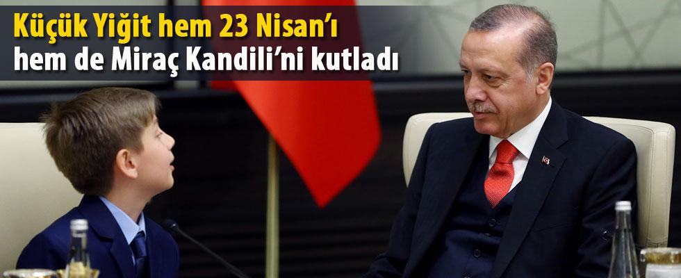 Cumhurbaşkanı koltuğuna Yiğit Türk oturdu