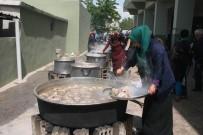 Elbeyli'de 10 Bin Kişiye Yemek Dağıtıldı