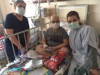 OYUNCAK BEBEK - Gönüllüler 23 Nisan'da Hastane Ziyaretinde Bulundu