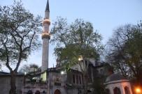 EYÜP SULTAN - İstanbul'un Tarihi Camilerinde Miraç Kandili Coşkusu