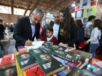 İzmir Kitap Fuarı'nda Akpınar İzdihamı