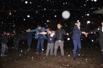ÇEKIM - Kar Yağışı Altında Düğün Eğlencesi