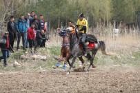 BELGESEL - Koreliler Cirit'e Hayran Kaldı