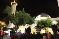 MIRAÇ KANDILI - Miraç Gecesi Camiler Doldu, Eller Semaya Açıldı