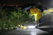 YENIKENT - Otomobil Kadınlara Çarptı Açıklaması 1 Ölü, 2 Yaralı