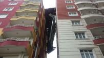 SIIRT BELEDIYESI - Siirt'te Şiddetli Rüzgar Apartman Çatısını Uçurdu