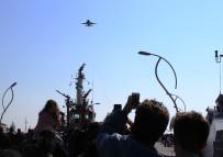 GÖSTERİ UÇAĞI - 'SOLOTÜRK' Çocuklar İçin Uçtu