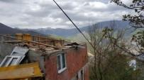 HASAR TESPİT - Artvin'de 100'E Yakın Ev Fırtınadan Etkilendi