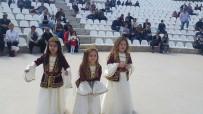 BÜYÜKŞEHİR BELEDİYESİ - Çerçioğlu, Kuşadası'nda Çocuk Şenliği'ne Katıldı