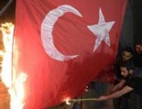 ERIVAN - Ermenistan'da Türk bayraklarını yaktılar