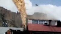 Fırtına Çatıları Uçurdu Açıklaması Panik Anı Kamerada