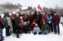 KAYAK MERKEZİ - İlk Kez Karla Tanışan Afrikalı Öğrenciler Doyasıya Eğlendi