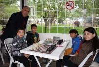 İncirliova'da Satranç Şampiyonları Ödüllendirildi