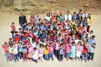 GÖLGE OYUNU - Karagöz Ve Hacivat Eruhlu Çocuklara Mutluluk Götürdü