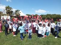 YıLDıZLı - Köy Okulu Çocukları 23 Nisanı 5 Yıldızlı Otelde Kutladı