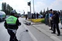 HÜSEYİN ÇETİN - Manisa'da Tankerle Motosiklet Çarpıştı Açıklaması 1 Ölü