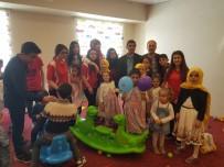 ALI POLAT - Nene Hatun Kız Yetiştirme Yurdu Ve Çocuk Yuvası Çocuklarının 23 Nisan Heyecanı