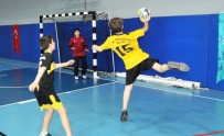 HENTBOL - Nilüfer Şehitler Ortaokulu'nun Şampiyonluk Sevinci