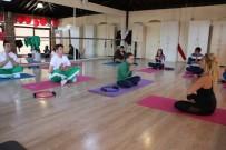 ÖĞRENCİLER - Özel Öğrencilere Pilates Ve Yoga Dersleri