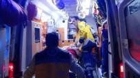 SAĞLIK EKİBİ - Sakarya'da Trafik Kazası Açıklaması 9 Yaralı