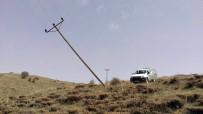 ELEKTRİK DİREĞİ - Sivas'ta Şiddetli Fırtına 168 Elektrik Direğini Yıktı