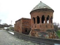KALKINMA BAKANLIĞI - Tarihi Kentlerin Projelendirilecek Alanları Gezildi
