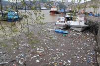 HAVA SICAKLIĞI - Zonguldak Limanı Çöple Doldu