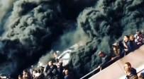 GÜVENLİK GÖREVLİSİ - Dev Maçta Olay Açıklaması Yangın Değil Sis Bombası !