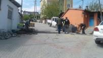 MIMARSINAN - Gebze'de Bozulan Yollarda Yama Ve Onarım Çalışması