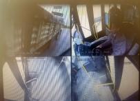 Halk Otobüsü İle Tırın Çarpışma Anı Kamerada