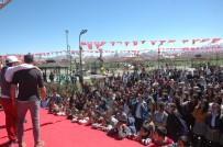 FARKıNDALıK - İpekyolu'nda 3 Bin Öğrenci İle Sahil Temizliği