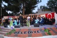 SANAT MÜZİĞİ - Kuşadası'nda TSM Korosundan İstanbul Şarkıları Konseri